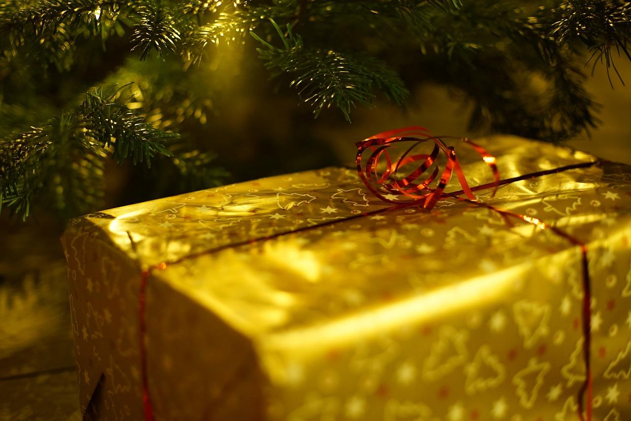 weihnachtsgeschenke-zwischen-kaufzwang-und-echter-emotion