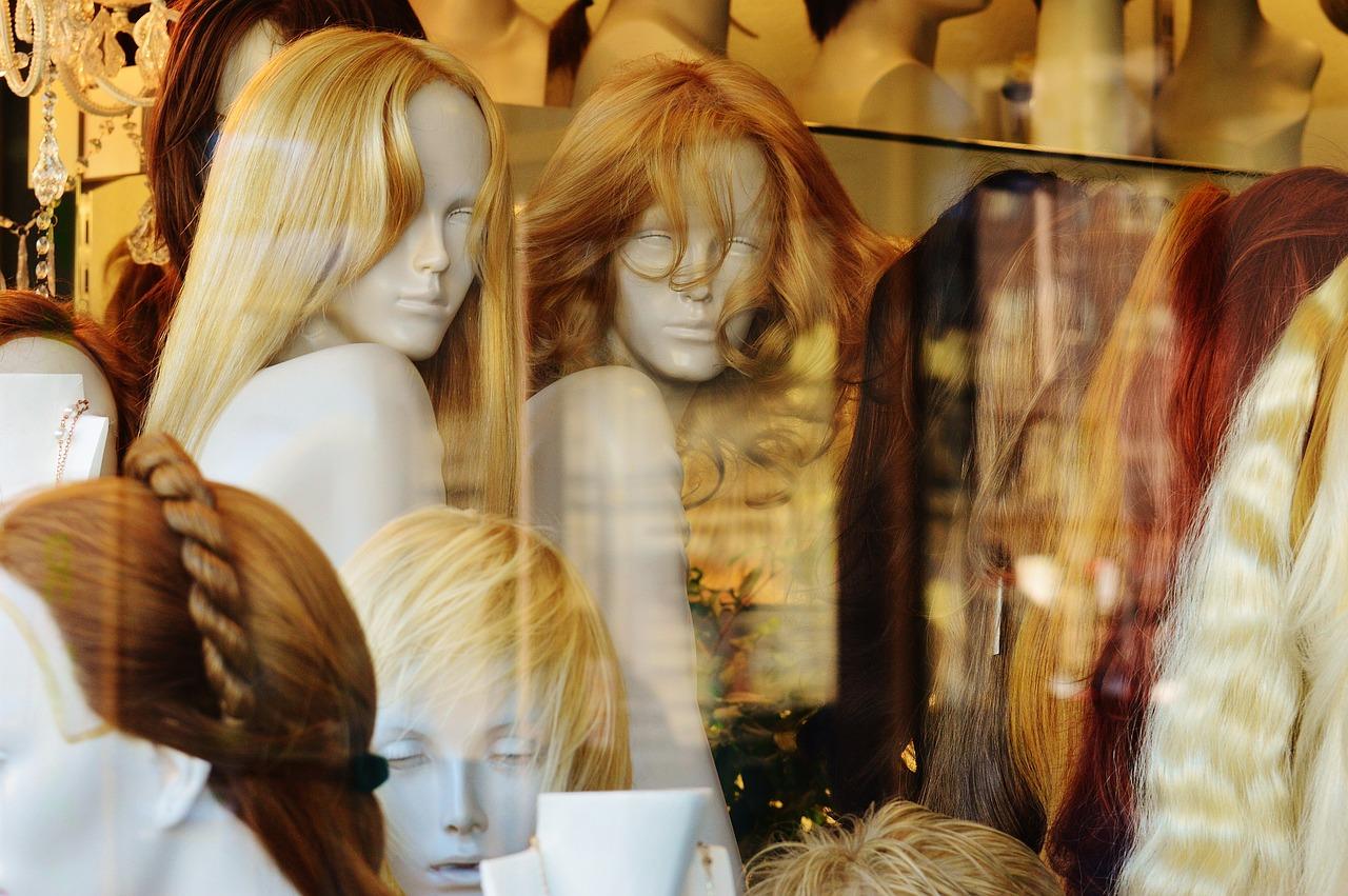 Kaputte Haare als Stimmungskiller - Perücke als Hilfe für die Psyche